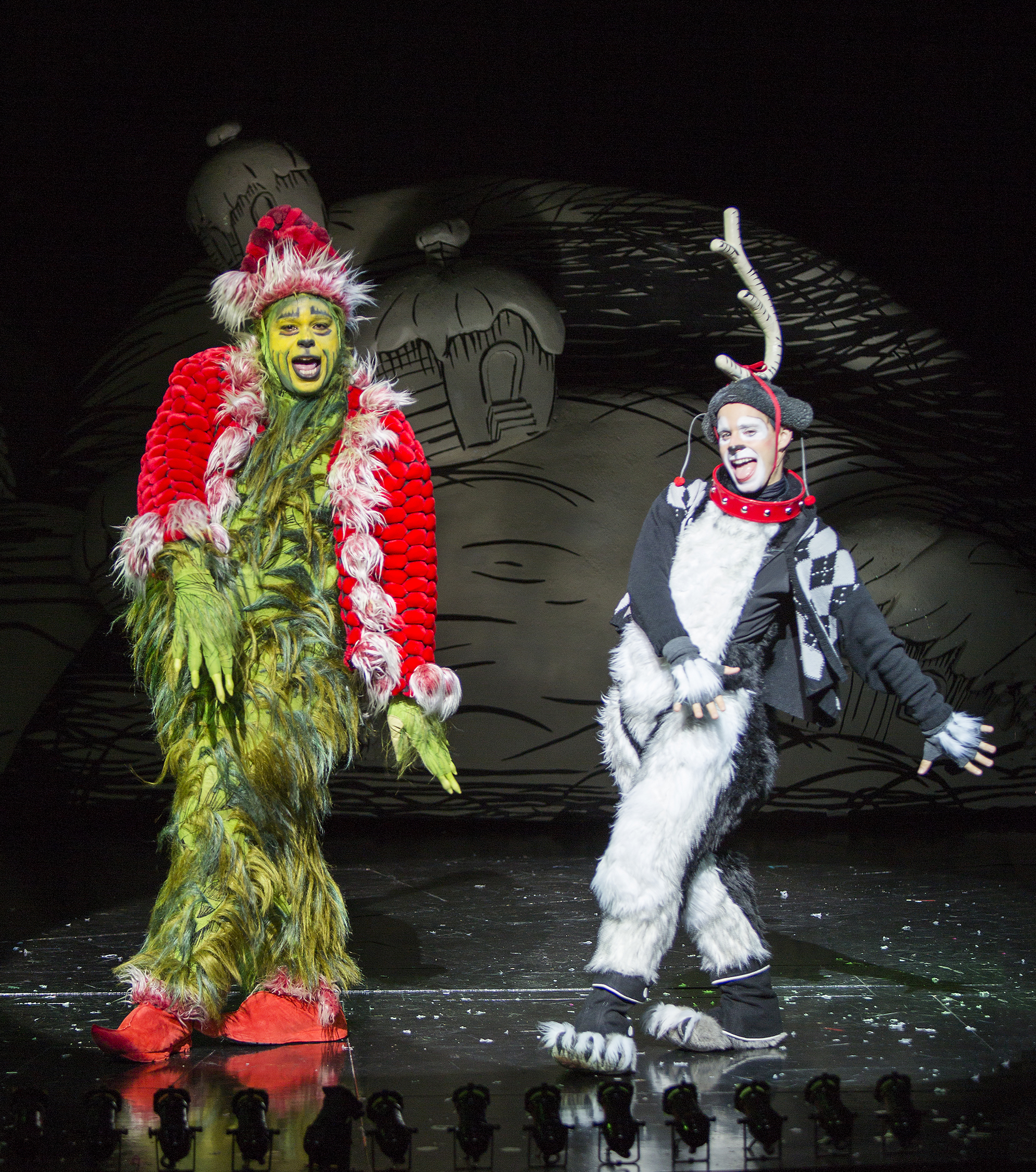 the cast of the 2015 production of dr seuss how the grinch stole christmas - How The Grinch Stole Christmas 2015