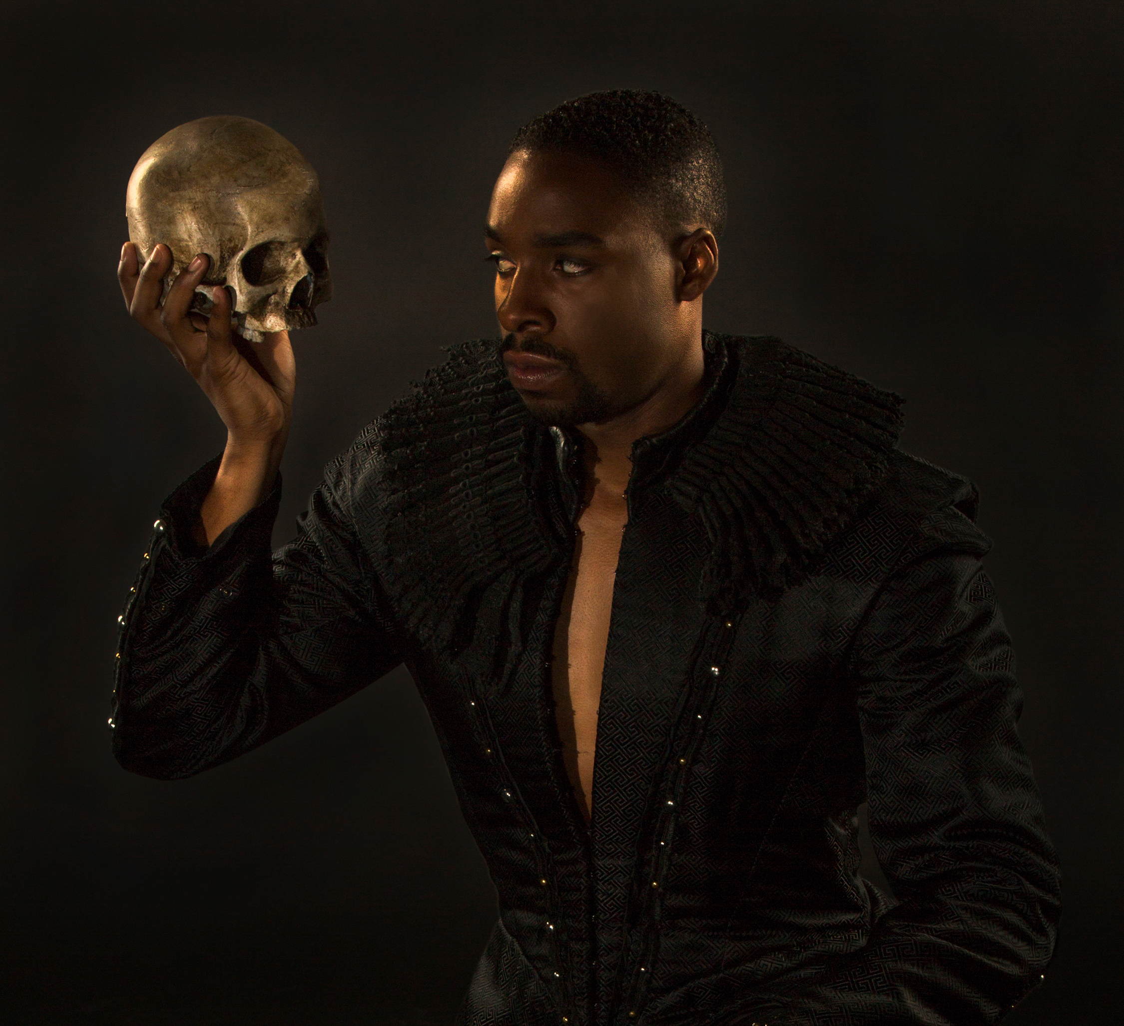 evaluating the role of horatio in william shakespeare hamlet Which may occur when one allows shakespeare and his play to be dispossessed  by one's own vision of  the chief issue concerns the relationship horatio bears  to hamlet, and his significance if any in evaluating hamlet's character his most.