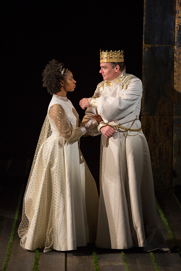 Nora Carroll as Queen Isabel and Robert Sean Leonard as King Richard II in King Richard II, by William Shakespeare, directed by Erica Schmidt, running June 11 - July 15, 2017. Photo by Jim Cox.