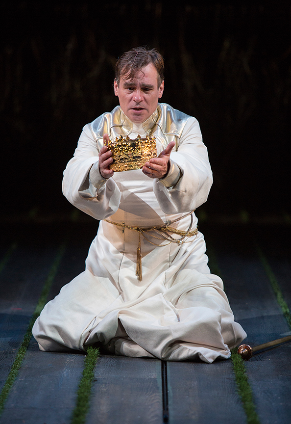 Robert Sean Leonard as the title role in King Richard II, by William Shakespeare, directed by Erica Schmidt, running June 11 - July 15, 2017. Photo by Jim Cox.