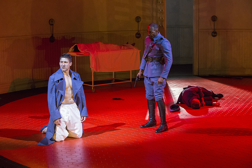 (from left) Jonathan Cake as Macbeth and Clifton Duncan as Macduff in William Shakespeare's Macbeth