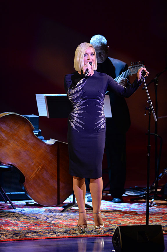 Performer Jane Krakowski. Photo by Douglas Gates.